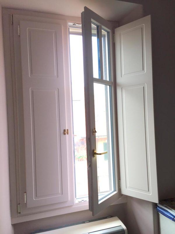 finestre in pvc con scuri sekuro porte e finestre roma