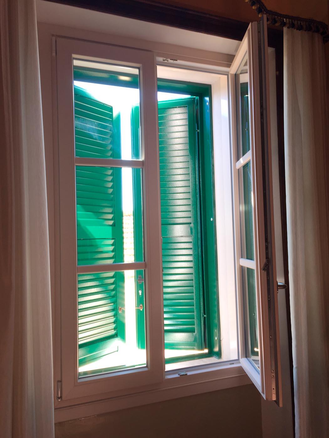 Tende Per Chiudere Ripostiglio persiane e oscuranti - sekuro - porte e finestre | roma